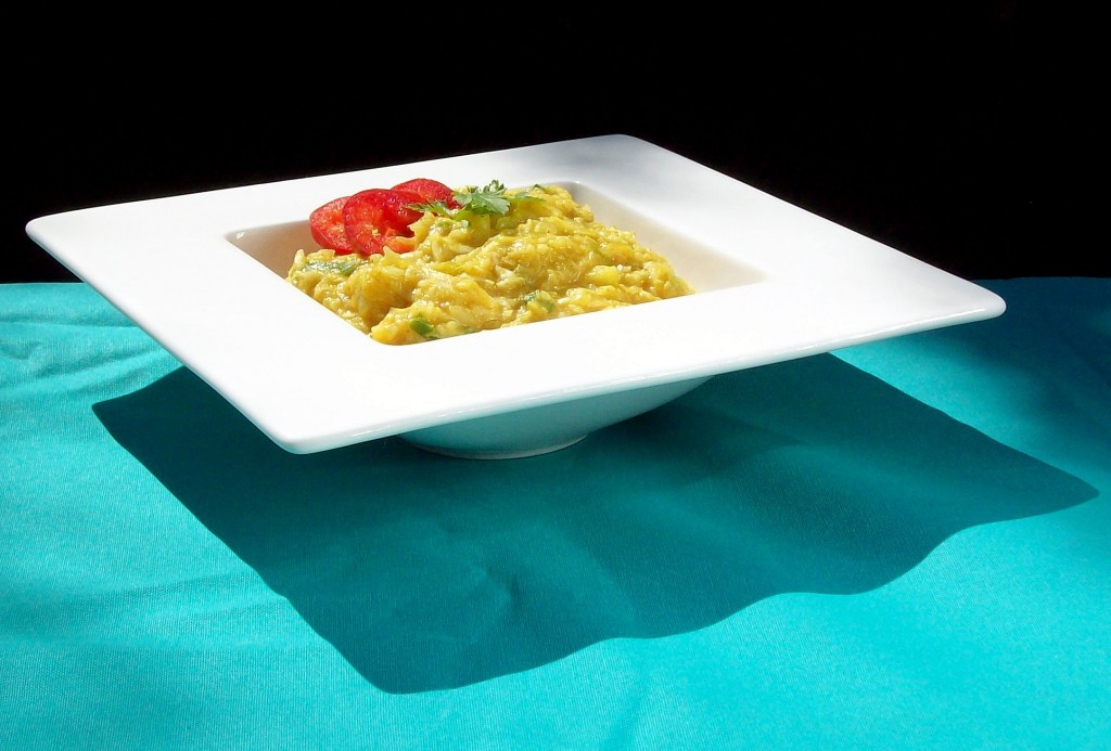 Rapea ja kermainen currykaali
