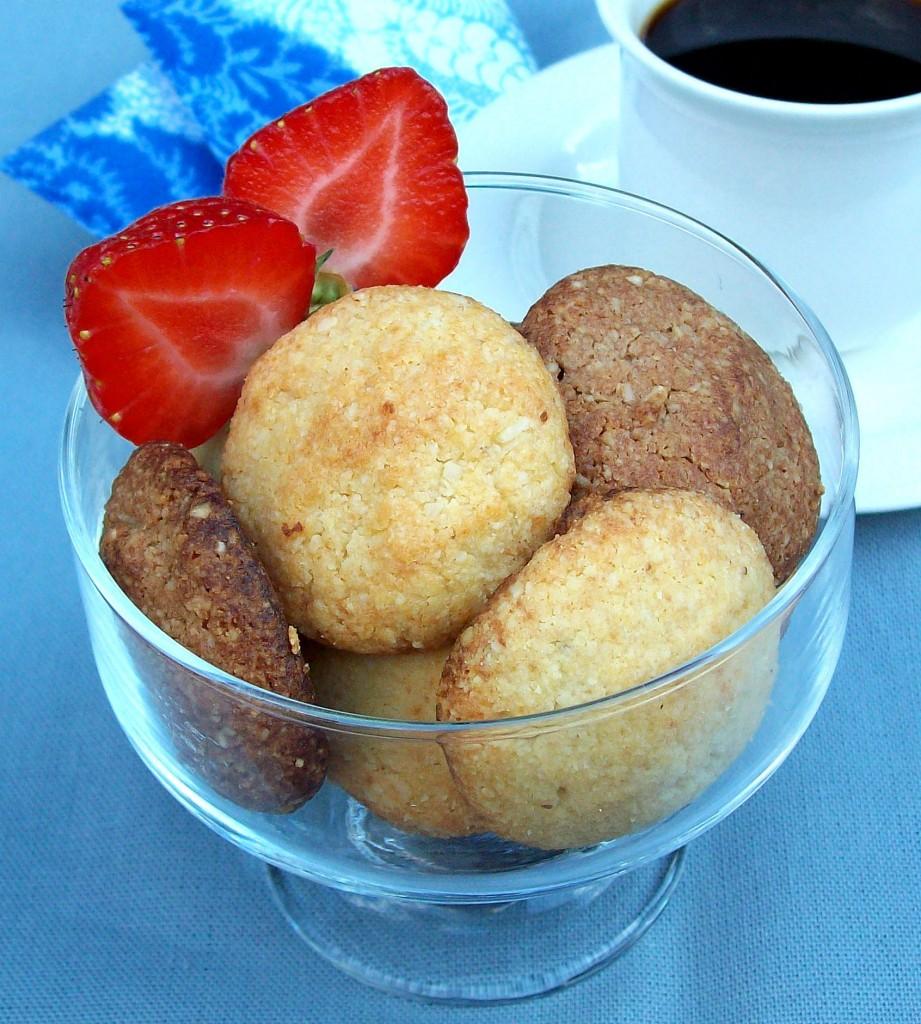 Vanilja-toffee- sekä suklaa-toffeepikkuleivät