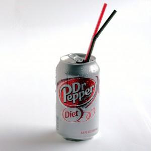 Tee-se-itse Diet Dr Pepper, aito tölkki, terveellinen sisältö | Alakarpisti.com