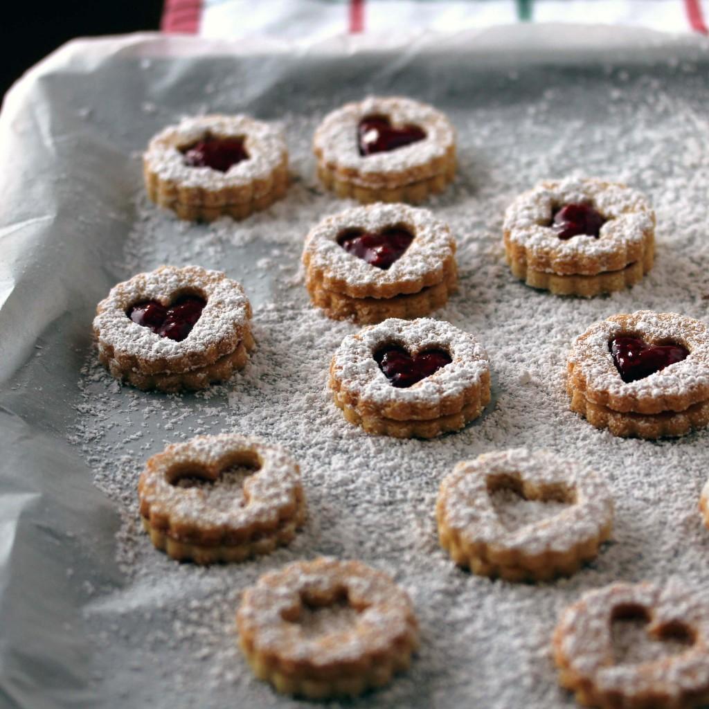 Gluteenittomat ja sokerittomat Linzer-keksit | Alakarpisti.com